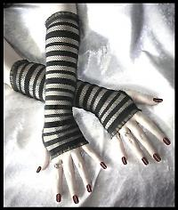 gothic fingerless gloves