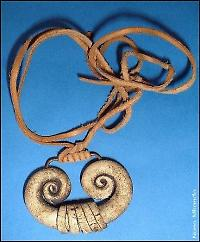 dark crystal mystics pendant