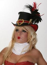 Queen of Hearts top hat