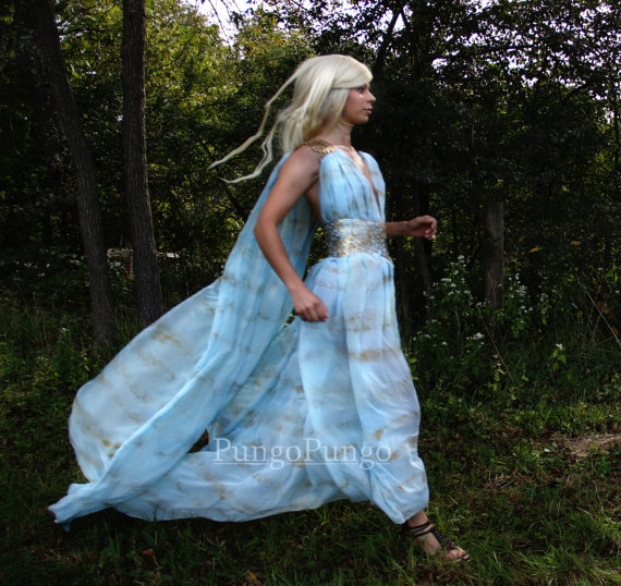 Dressing up like Daenerys from Game of Thrones ···   ··· Your ...