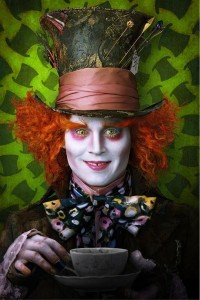 Official-Released-Image-of-Johnny-Depp-as-The-Mad-Hatter-in-Tim-Burton-s-Alice-In-Wonderland-johnny-depp-6794424-490-735